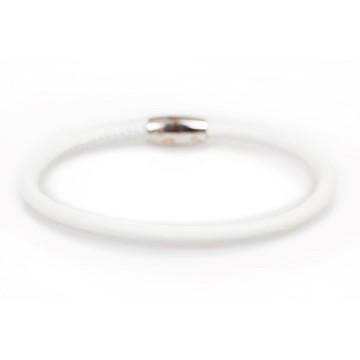 Leather bracelet closing...