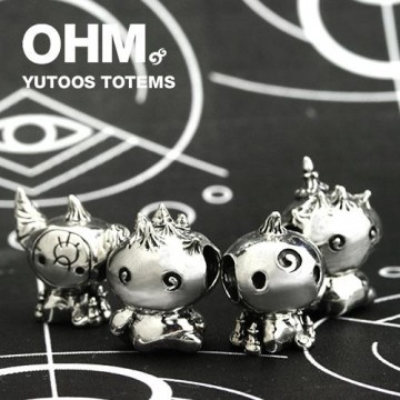 Yutoos Totems ( Busta Chiusa )